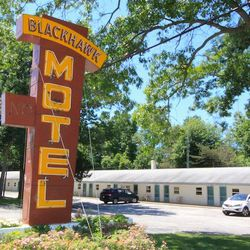 Blackhawk Motel