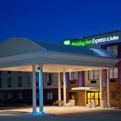 Holiday Inn Express Hotel & Suites Valparaiso
